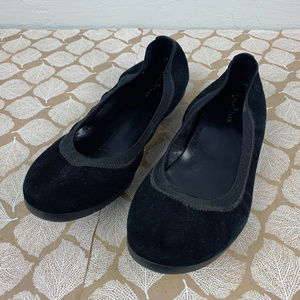 Cole Haan Size 8.5 Gilmore Black Flats